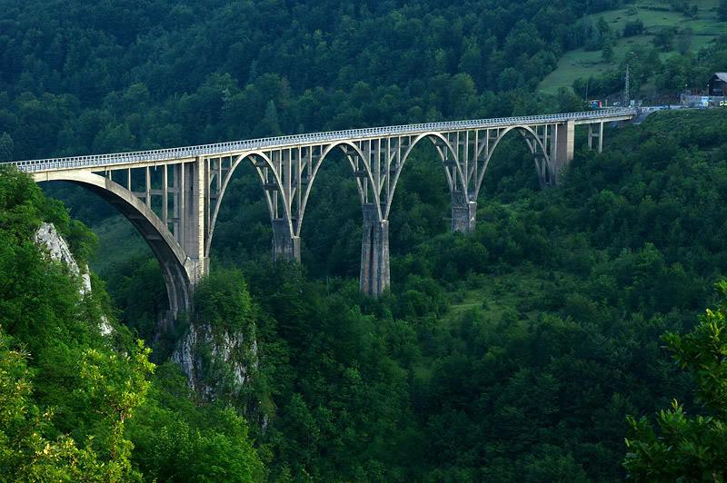 Міст Джурджевича в Черногорії
