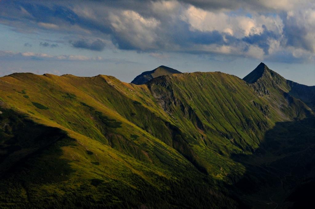 Родна. Гора Інеу